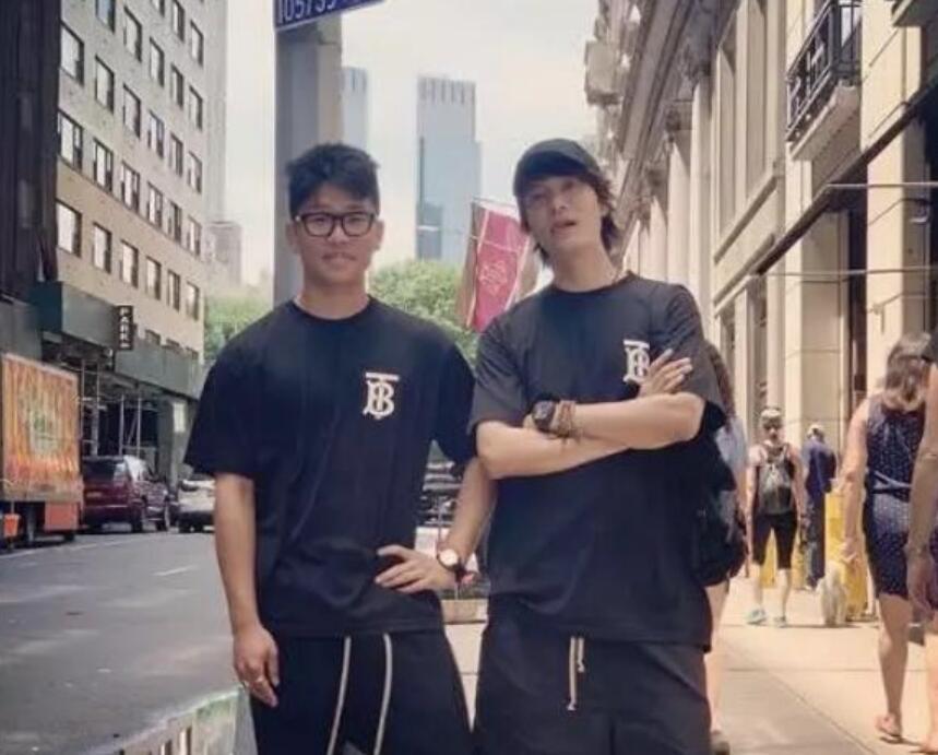 陈坤和儿子照片
