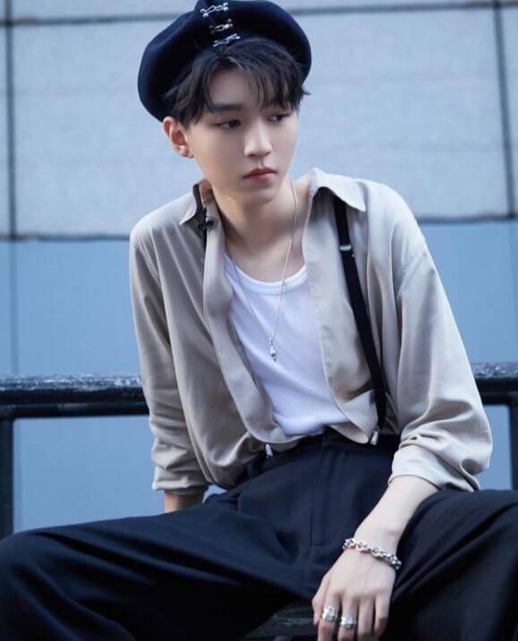 王俊凯贝雷帽造型