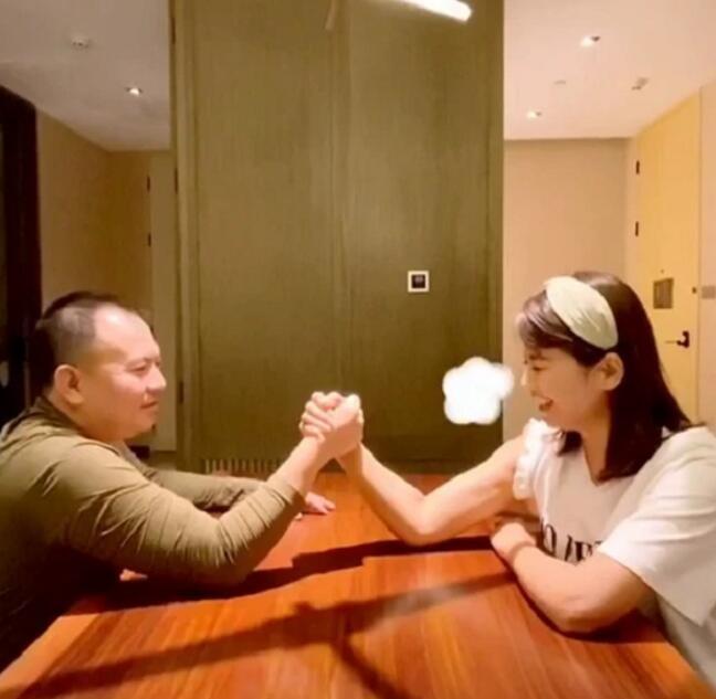 刘涛罕晒与老公日常