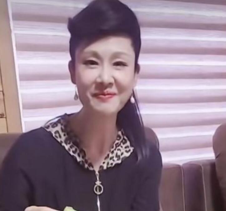 55岁歌手于文华近况曝光
