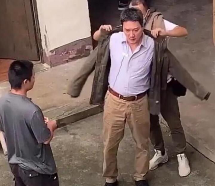 冯绍峰疑为新戏增肥