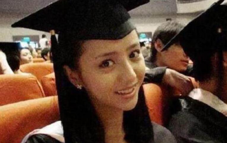 佟丽娅毕业照