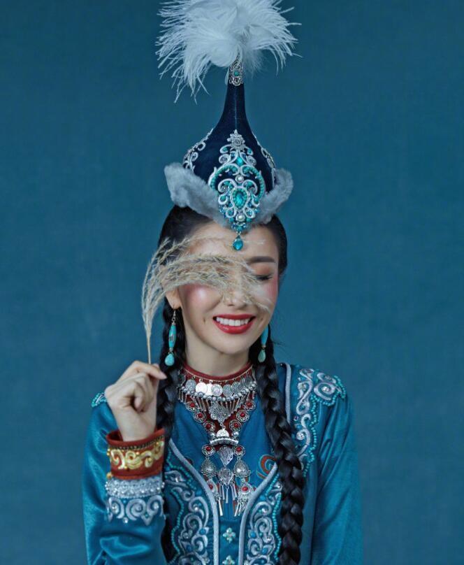 佟丽娅民族风造型