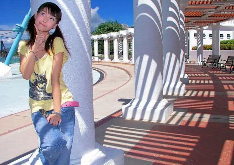 杨颖16年前写真曝光 模样青涩笑容灿烂活力满满