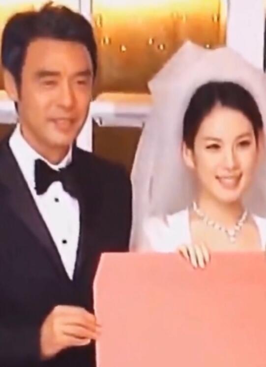 钟镇涛参加女儿婚礼